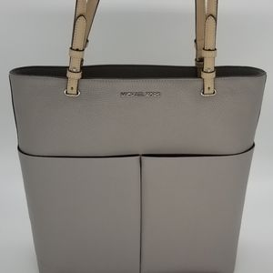 Michael Kors Bedford Pocket Tote w/Dust Cover